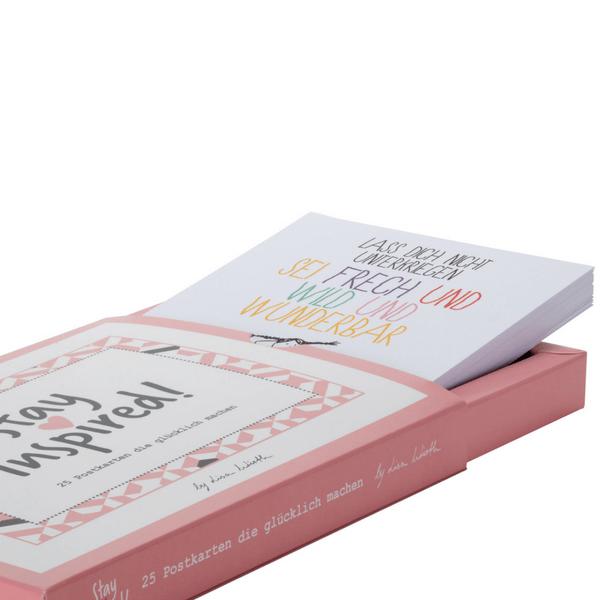 """Postkarte mit Pipi Langstrump """"Lass dich nicht unterkriegen. Sei frech und wild und wunderbar"""""""