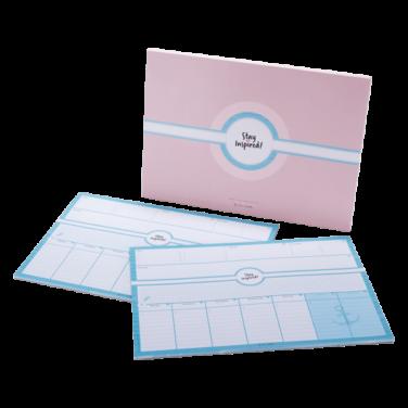 blaue Schreibtischunterlage DIN A3 mit passender rosa/blauer Verpackung