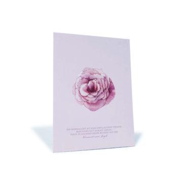 """rosa Postkarte mit Rose und einem Zitat von Vincent van Gogh """"Die Normalität ist eine gepflasterte Straße..."""""""