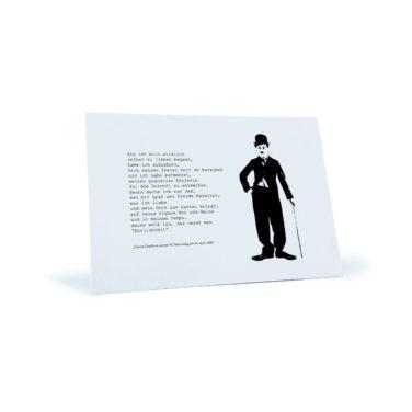 """Postkarte mit Zitat und Motiv von Charly Chaplin zu seinem 70. Geburtstag: """"Als ich mich wirklich selbst zu lieben began..."""""""
