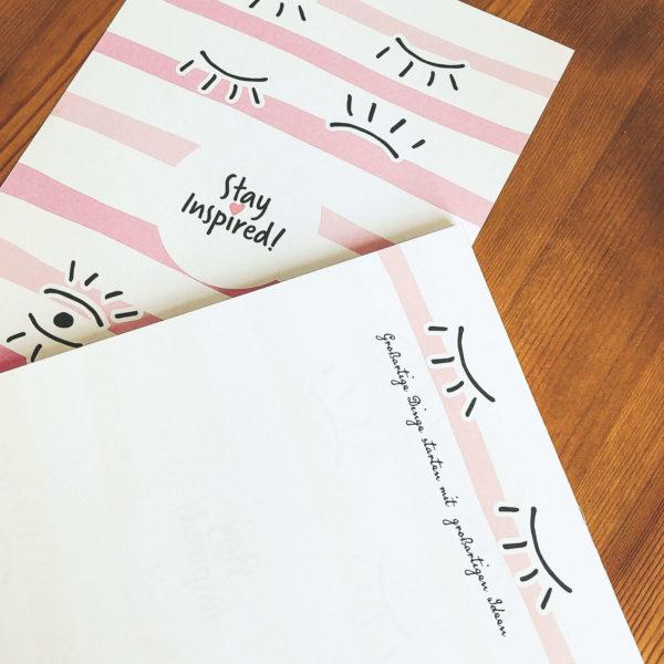 Blanko-Notizblock mit Wimpern und farbig bedruckter Rückseite