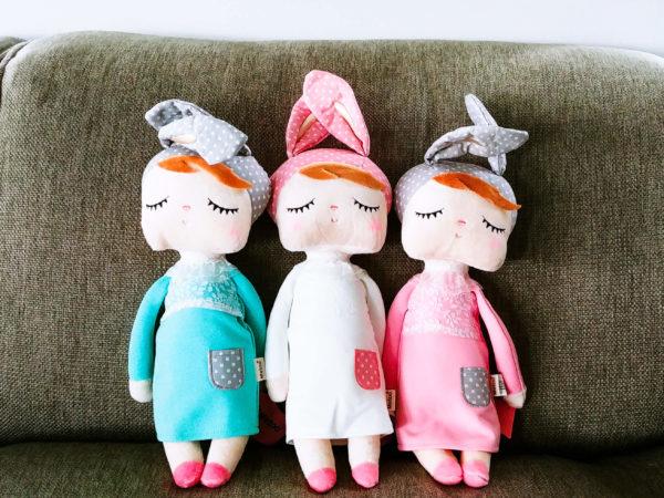 """3 Hasenmädchen, Hasenpuppen """"Angela"""" mit schlafenden Augen von metoo in rosa, türkis und weiß"""