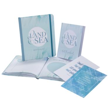 Reisetagebuch mit Aquarell-Akzenten, inkl. Postkarten und Reiseplaner