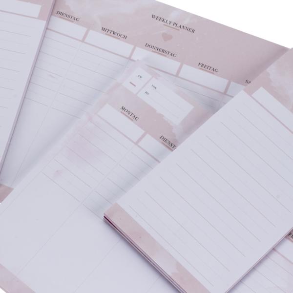 Wochenplaner-Notizblock und To-do-Liste zum Abreißen in rosa