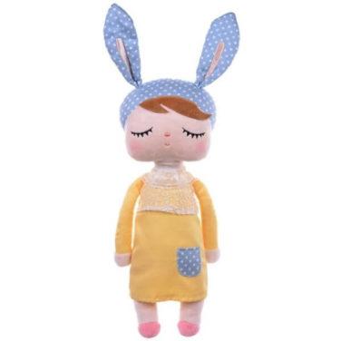 Hasenmädchen, Hasenpuppe mit schlafenden Augen, gelbem Kleid und blauer Mütze